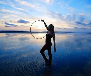 hula hooping image