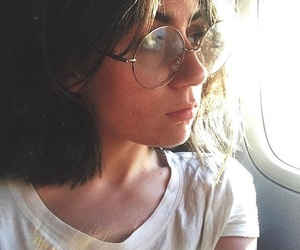 girl and dodie image