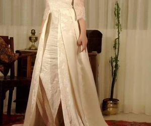 dz, wedding dress, and karakou image
