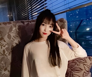 yuju, kpop, and gfriend image