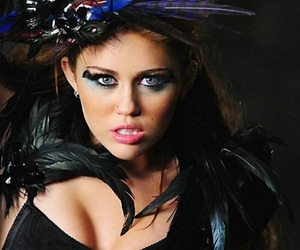 miley cyrus and can't be tamed image