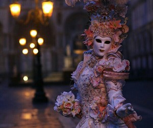 mask and venice image