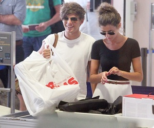 louis tomlinson, elounor, and girlfriend image