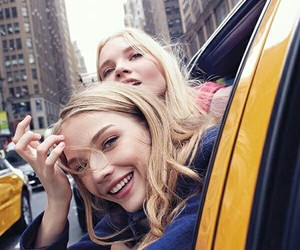 girl, new york, and taxi image