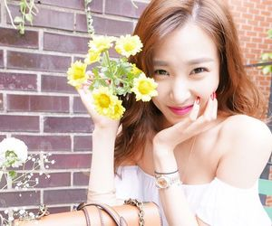 girls generation, hyoyeon, and kim taeyeon image