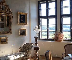 architecture, travel, and aristocratic image