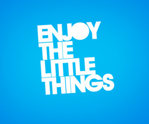 text and little things image