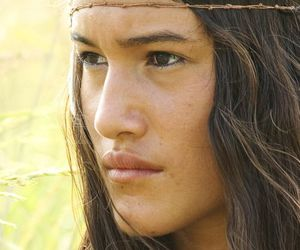 """q'orianka kilcher, in """"the new world"""" (2005), and at age 14 as pocahontas image"""