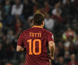 roma and totti image