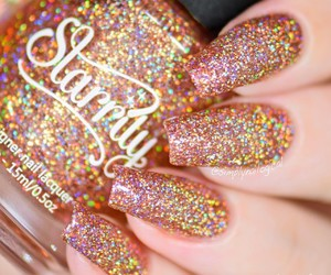 gold and nailart image