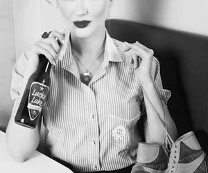 black and white, girl, and pin-up image