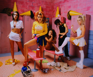 spice girls and 90s image