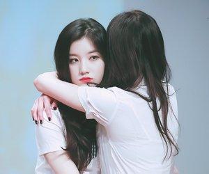 pinky, siyeon, and kyulkyung image