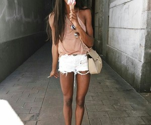 mulher negra, look do dia, and tenis image