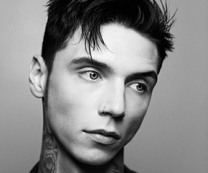 black and andy biersack image