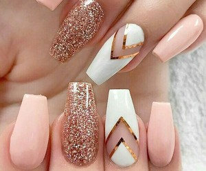 nails and rosegold image