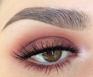 eyeshadow, beauty, and eyebrows image