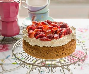 dessert and strawberries image