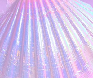 opalescent and iridescent image