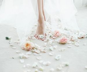 beautiful, flowers, and romantic image