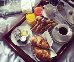 breakfast, cozy, and croissant image