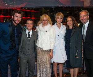 cast, 2013, and liamhemsworth image
