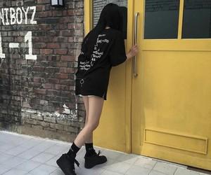 fashion, black, and ulzzang image