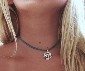 girl, summer, and necklace image