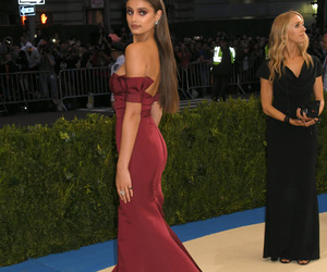 dress, model, and taylor hill image