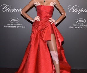winnie harlow and cannes 2017 image