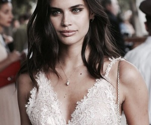 model, beauty, and brunette image