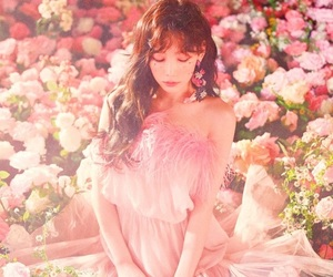 vocal, taeyeon, and girl generation image