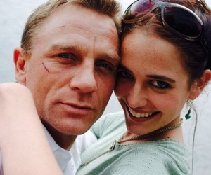 daniel craig, eva green, and James Bond image