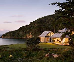 beach house image
