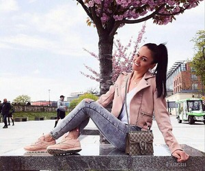 comfy, pastels, and ootd image