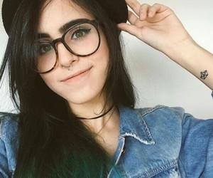 beautiful, glasses, and green image