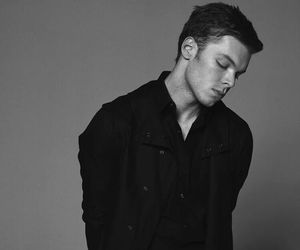 cameron monaghan, shameless, and ian gallagher image