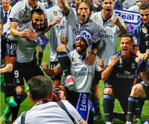 real madrid and love image