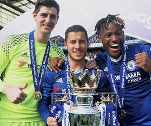 Chelsea, hazard, and courtois image