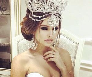 bride, earrings, and crown image
