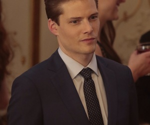 Hunter Parrish and quantico image
