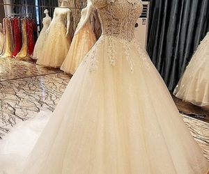 ball, kleid, and liebe image