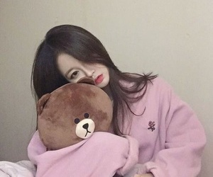 ulzzang, korean, and pink image