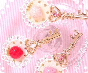 beautiful, key, and pink image