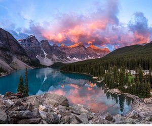 lake and sky image