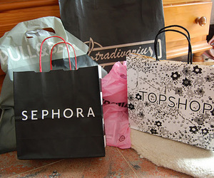 shopping, sephora, and topshop image