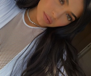 kylie jenner, makeup, and kardashian image