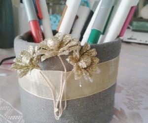 diy, pen holder, and glittery flower image