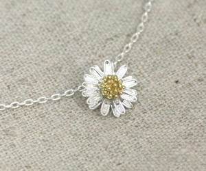 accessories, jwelery, and flower image