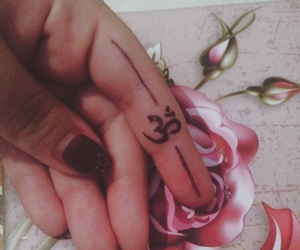 nails, rose, and Ohm image